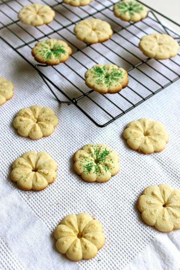 Almond spritz cookies on wildwildwhisk.com