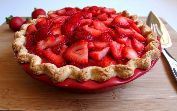 strawberry and cream pie