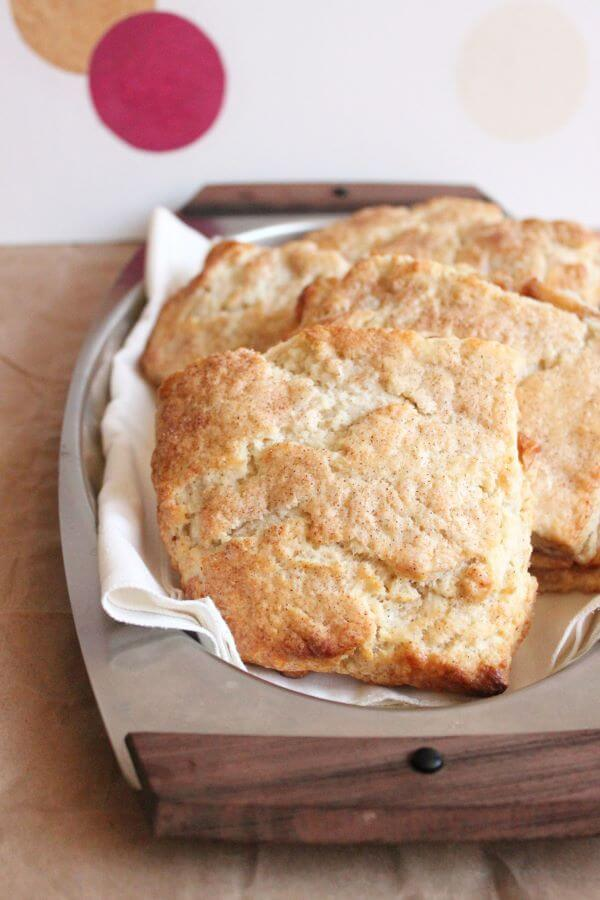 Apple Pie Scones | wildwildwhisk.com