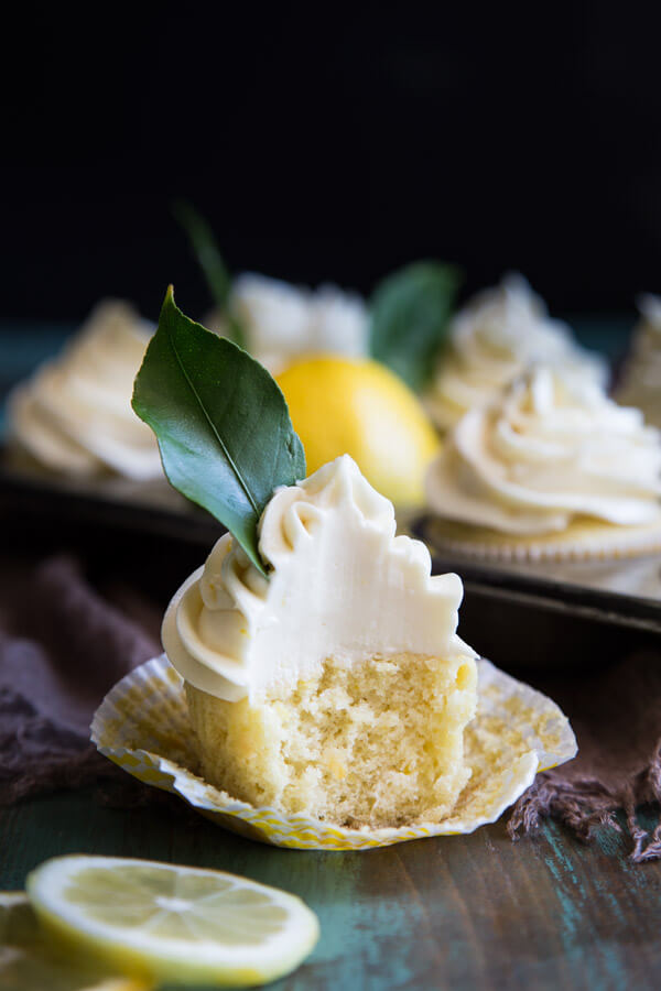 Lemon cupcakes with cream cheese frosting | wildwildwhisk.com