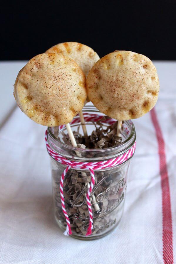 Cookie Butter Pie Pops   wildwildwhisk.com