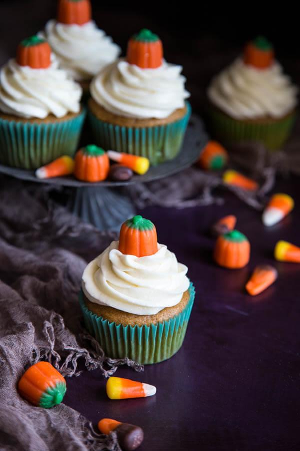 Pumpkin cupcakes decorated with mellowcreme pumpkins