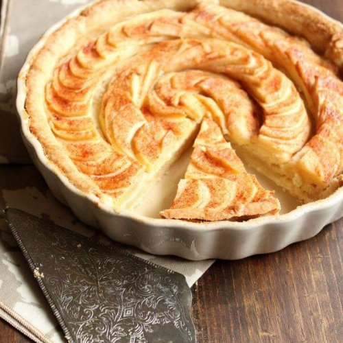 Apple Tart with Almond Paste Filling | wildwildwhisk.com