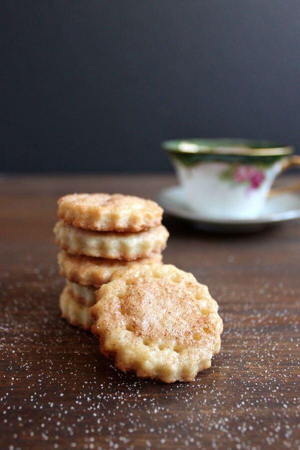 Pie Crust Cookies | wildwildwhisk.com