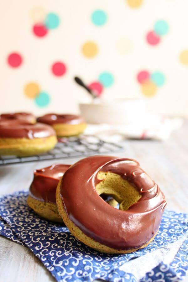 Baked Green Tea Donut with Chocolate Ganache | wildwildwhisk.com