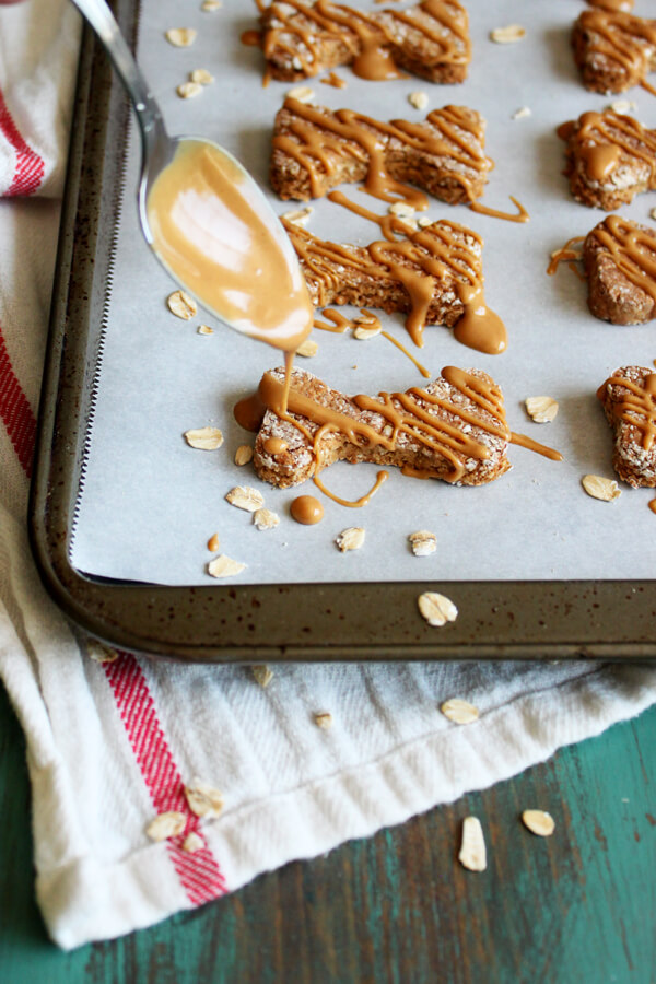 Peanut Butter Apple Dog Treats with Oat Flour