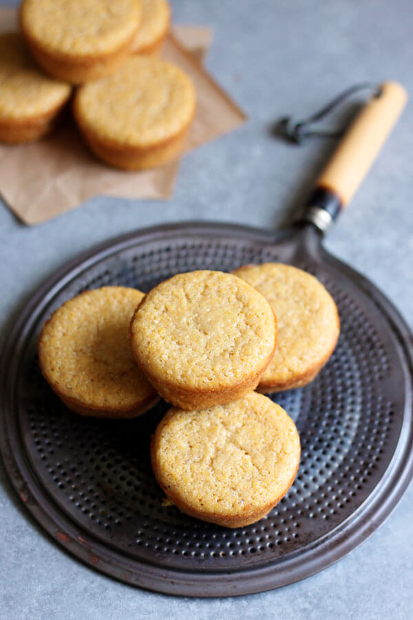 This muffin tin easy sweet cornbread recipe is the perfect accompaniment for all your summer backyard barbecues. | wildwildwhisk.com