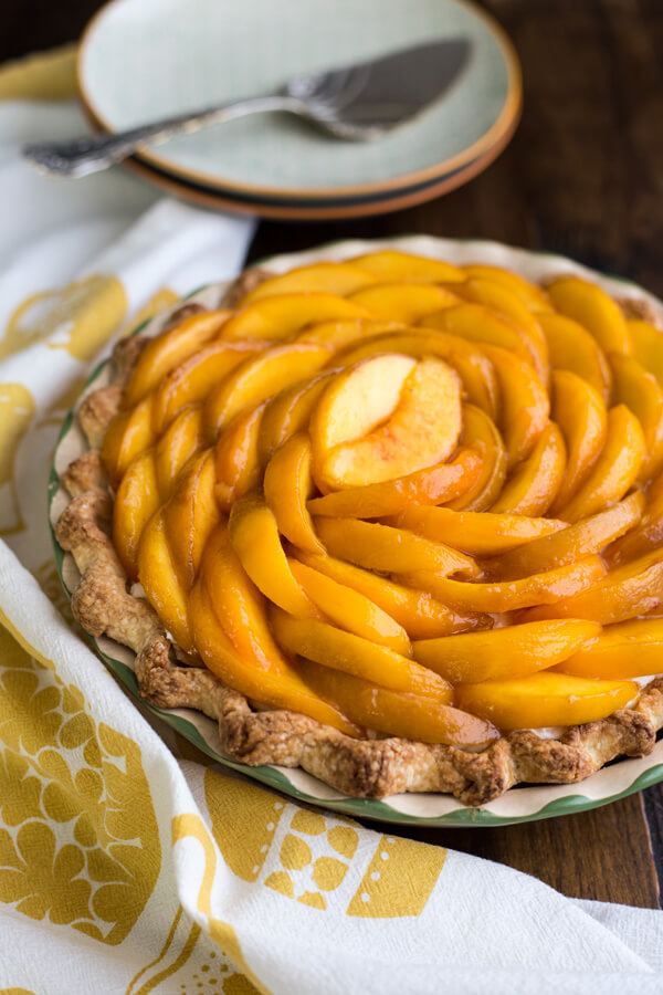 Peaches and Cream Pie in a pie dish