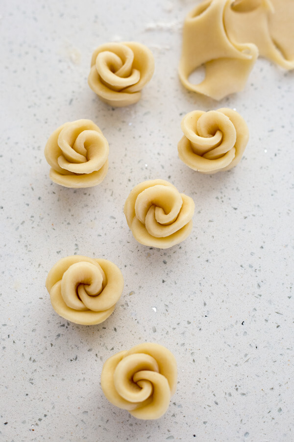 How to make pie crust roses for Strawberry Rose Tart