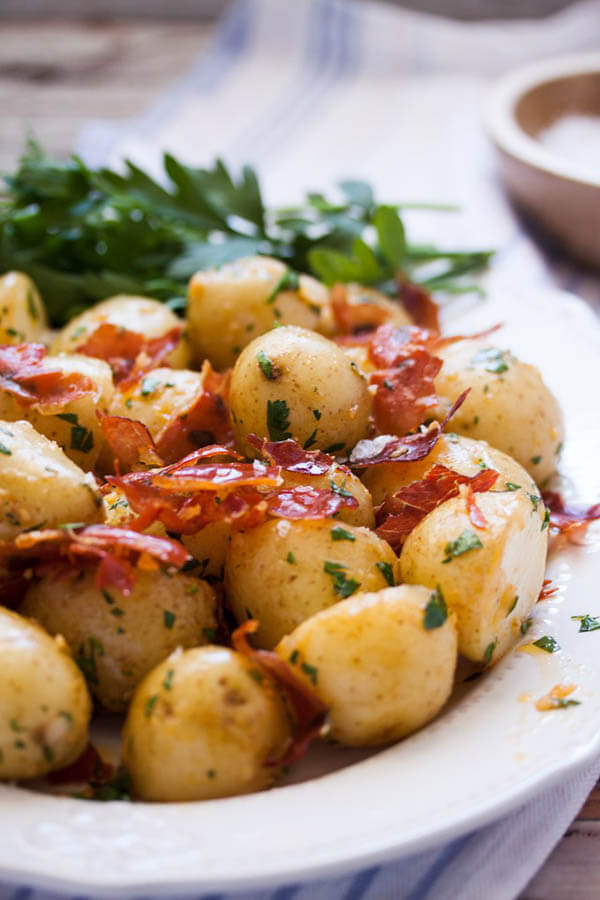 Thanksgiving dinner menu - garlic butter potato with prosciutto from Sugar Salt Magic