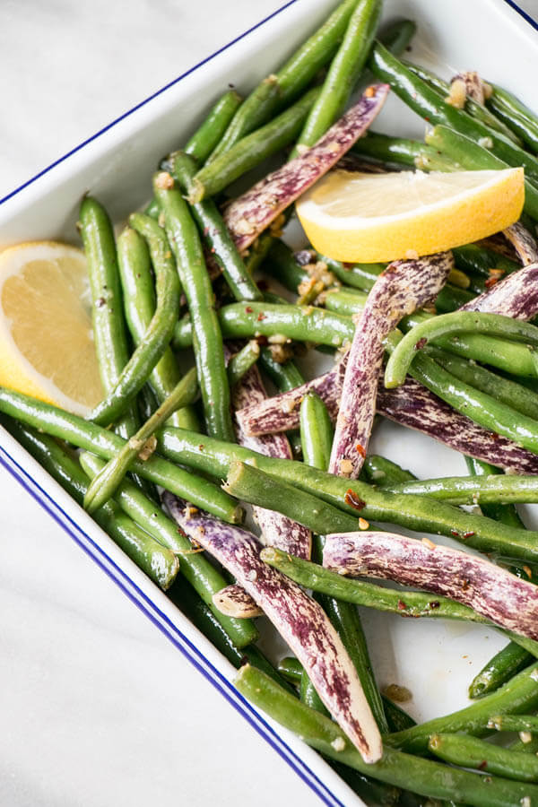 Thanksgiving dinner menu - garlicky green beans from My Kitchen Love