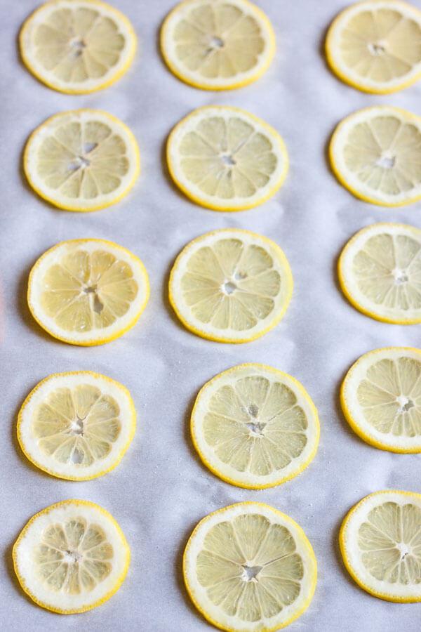 Lemon slices for candied lemon
