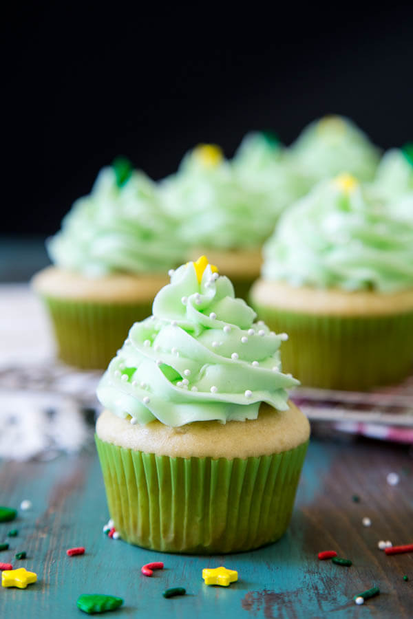 Pinata Christmas Cupcakes with mint buttercream